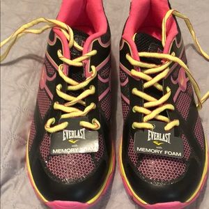 EverLast girls athletic shoes